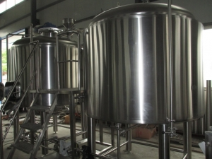 tipos de cerveza - tanque de fermentacion de la cerveza